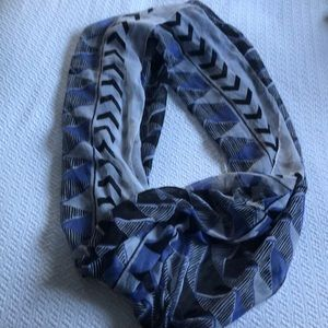NORDSTROM Multicolored scarf. No opening. No tag.